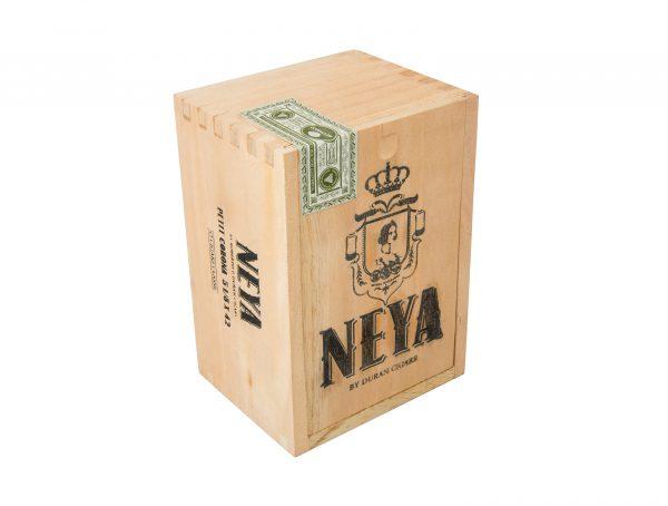 Neya Classic Petit Corona